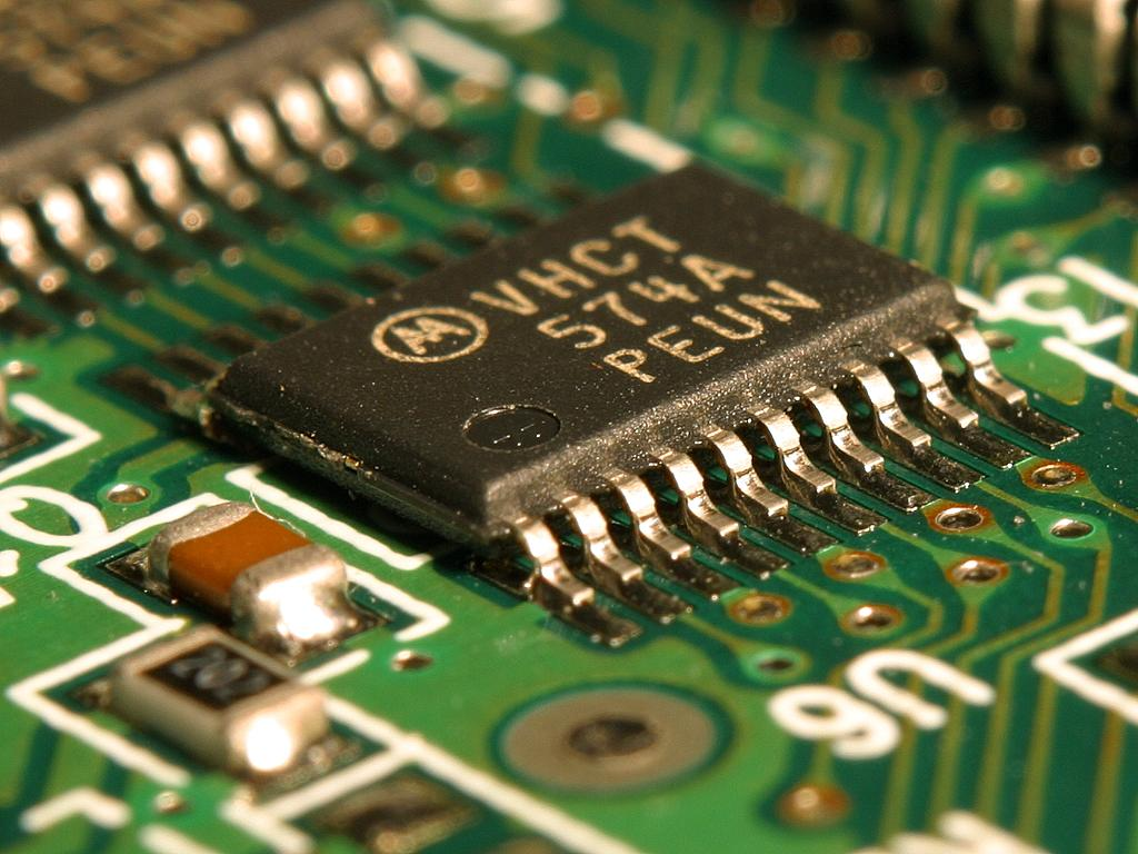 Integrated_circuit_on_microchip